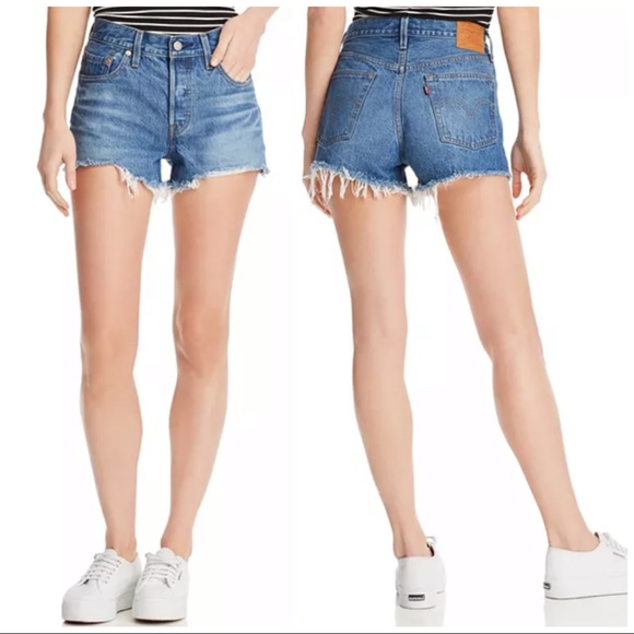 •LEVIS• 501 Icon Button Fly Denim Cut Off Shorts